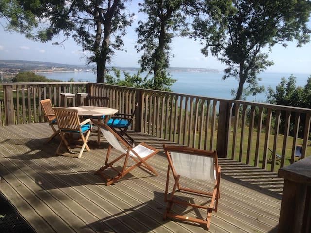 Highcliff Cottage -  Clifftop Paradise