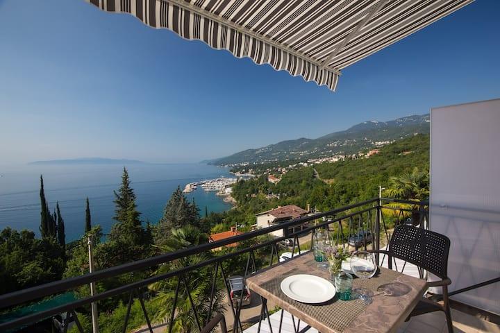 Apartment with amaizing view Opatija -Ellalinda