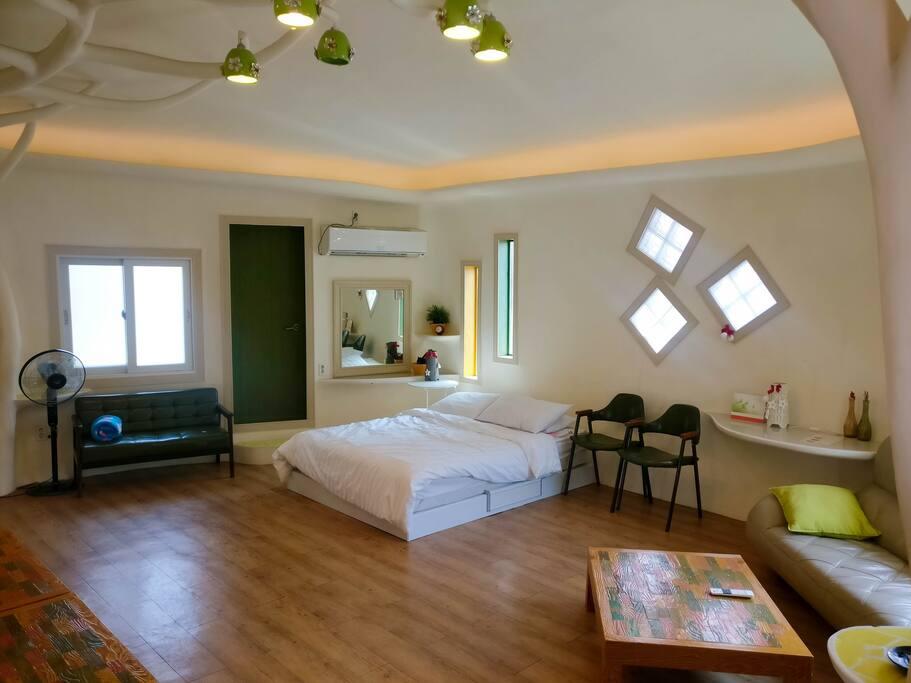 큰 원룸형 객실/Spacious room