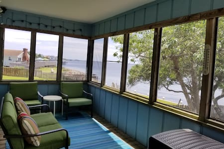 Bruce's Retreat Waterfront Home Entire 3 Bd 2 Ba