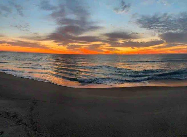 Beautiful Condo In The Heart Of Carolina Beach