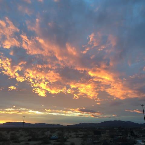 Sunset ©2o16 perry hoffman