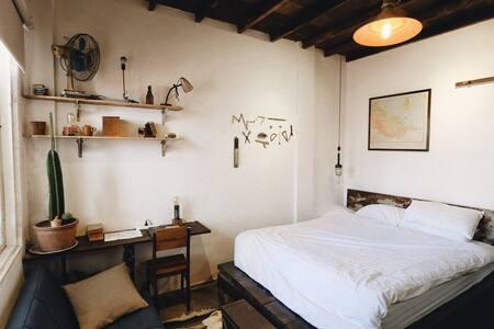 Hideaway [4] — Quiet retreat on famous Pasteur St.