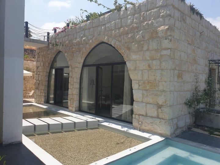 Casa de Thoum (Batroun): ROSADA Room