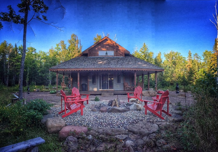 Serenity Lodge: Your Northwoods Lakefront Retreat