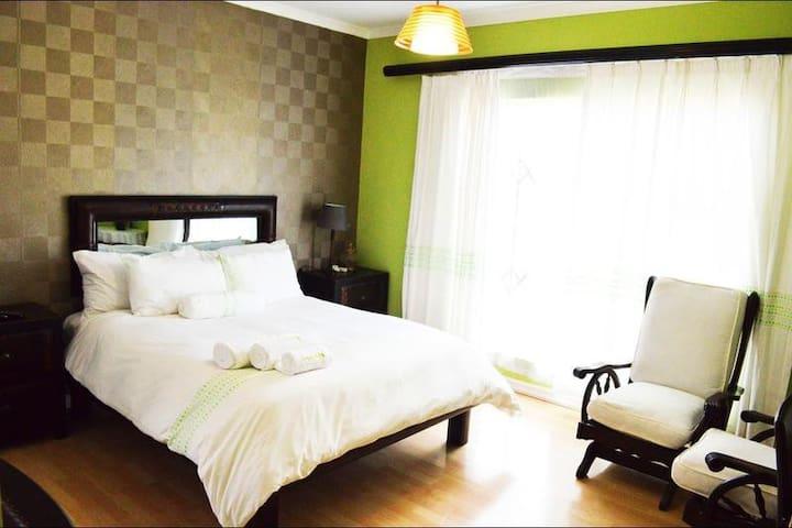 Seroloana Guesthouse - Poni Suite
