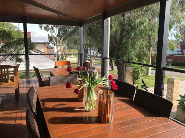 Luxury house close to river: AVAIL.OZ DAY WEEKEND