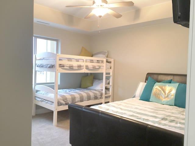 Bunk bed in 2nd Bedroom