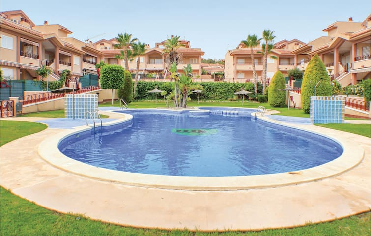 Terraced house with 2 bedrooms on 63 m² in Santa Pola