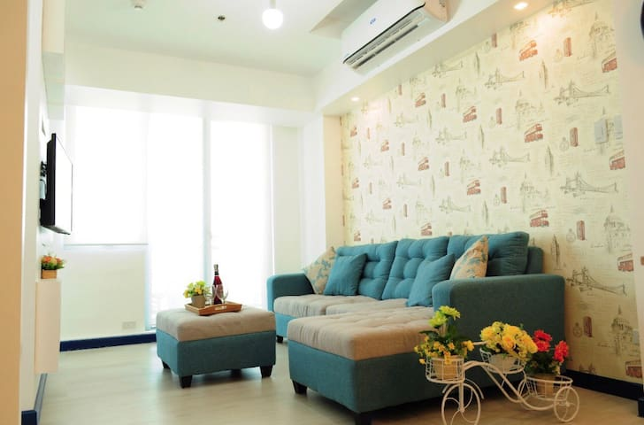 Finest Azure Staycation - Huge 1BR near Airport