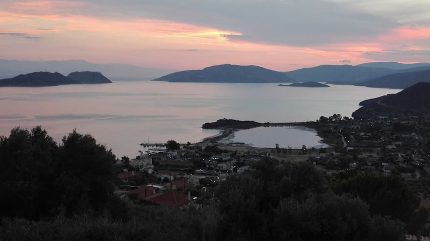 Amazing Corinthian gulf sunset view house and pool