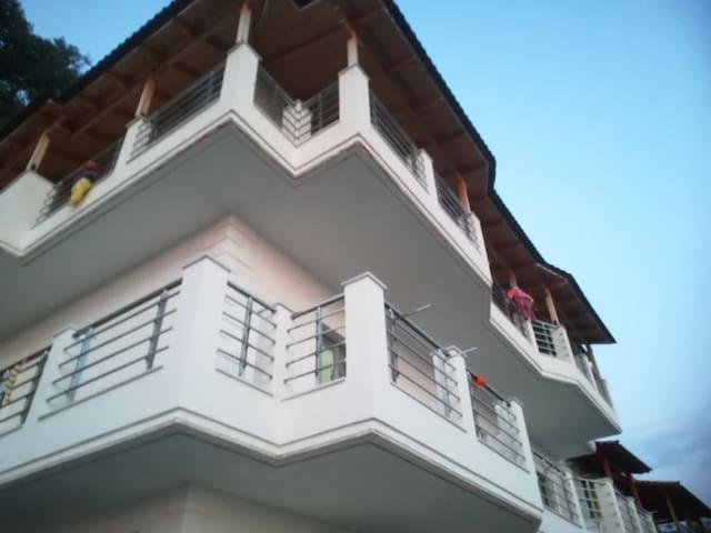 Eduard Apartaments  3