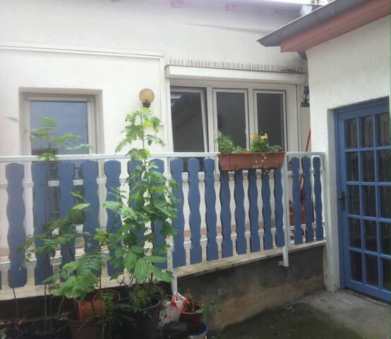 Platz und Ruhe mit Terrasse, 4 Gehminuten zum HBF