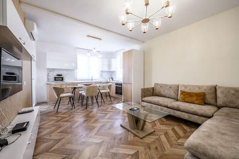Luxury Apartment at  Wilson Square