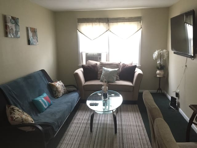 Cozy Apartment in lovely Elmora near NYC and EWR
