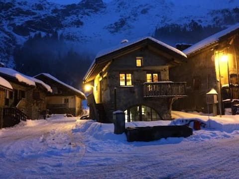 Châlet 4/6 persons in the heart of the Vanoise.