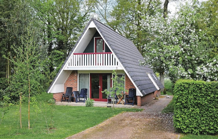 Holiday cottage with 3 bedrooms on 80 m² in Winterswijk