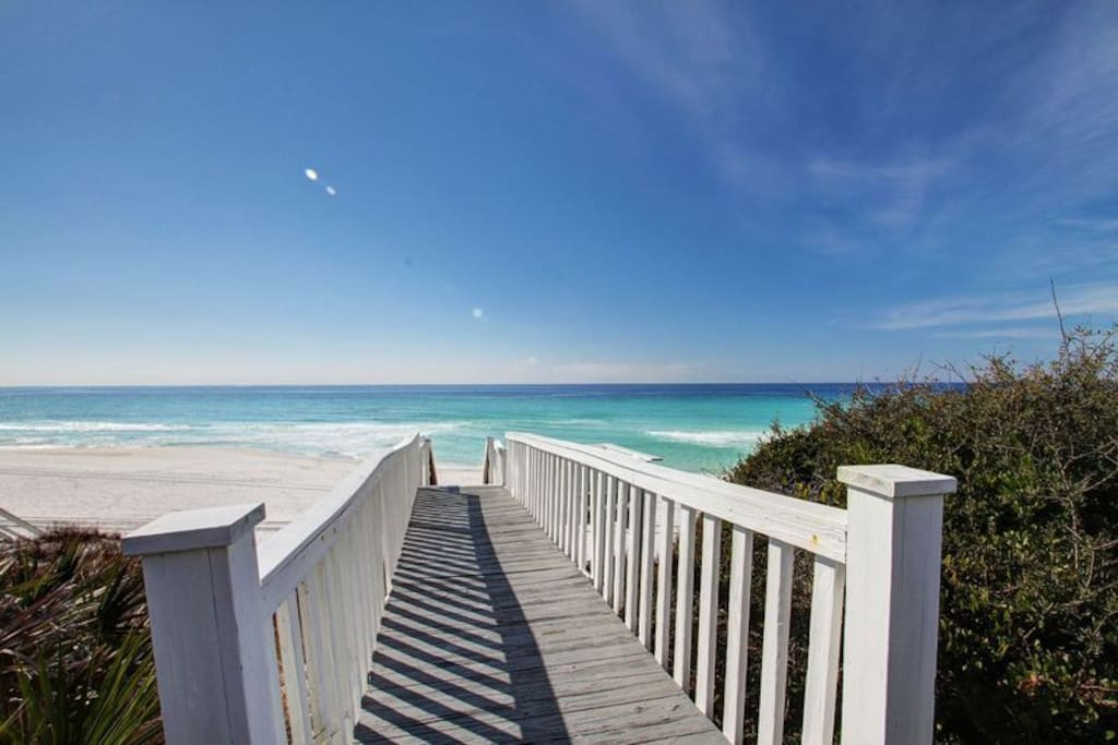Welcome to the Stunning Beach Access for Beacon's Unit 2 in Beautiful Seagrove Beach!