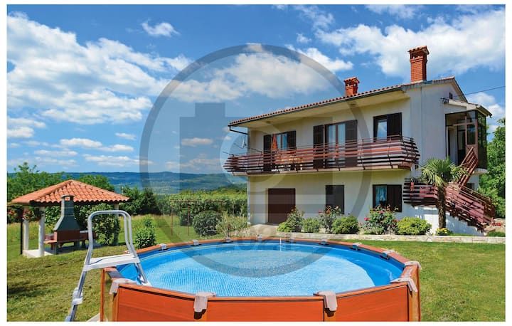 Beautiful home in Cepic with WiFi and 2 Bedrooms
