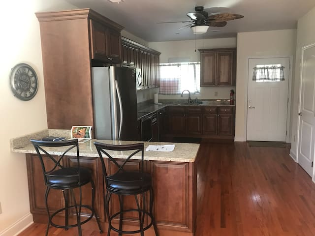 TN Grand Canyon Condo! 10 Minutes from Downtown!!