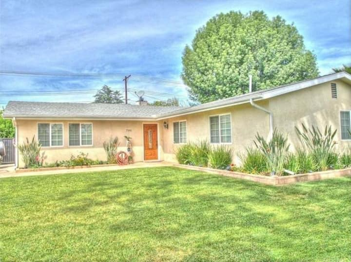 3bd 2bath Luxury remodel home, private parking!
