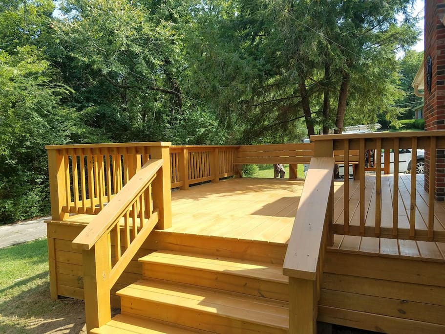 Newly Constructed Deck for Relaxing and Entertaining