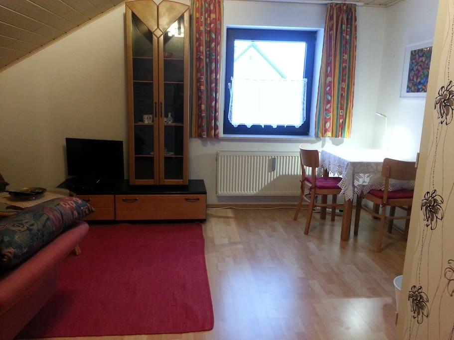 gro es ruhiges zimmer in regensburg harting h user zur miete in regensburg bayern deutschland. Black Bedroom Furniture Sets. Home Design Ideas