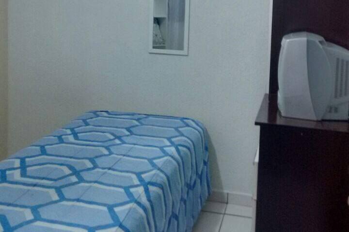Ótima localização - Bairro nobre - Quarto 1 - Campo Grande - House