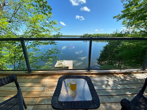 Stunning Lakeview Waterfront & Cedar view Cottages