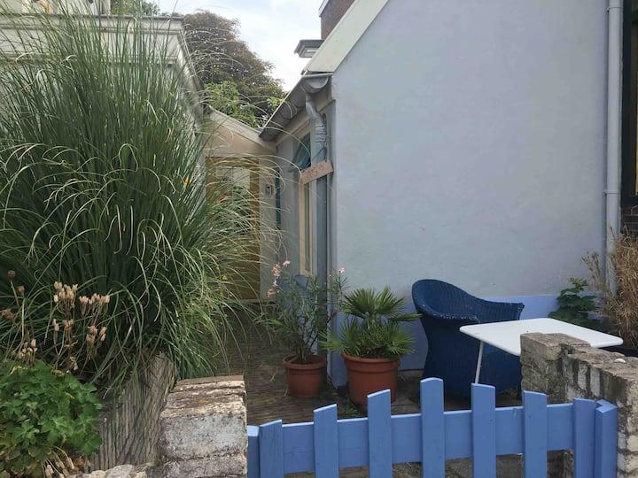 Tiny house 'Vissershuisje' in centrum Wijk aan Zee