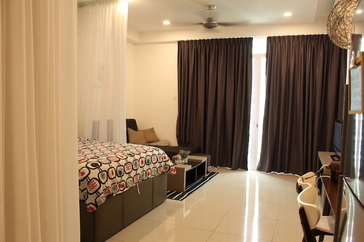 MARCH PROMO Cyberjaya Cozy & Comfy Studio