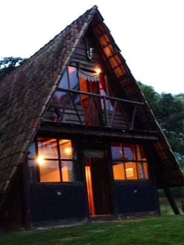 Chalé suíço em Macacos - Nova Lima - Huis