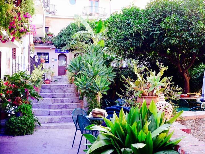 Ottaviano Apartment - Taormina Centro