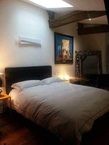 #Maison ROBINSON chambre bleue - Saint-Martin-de-Hinx - Bed & Breakfast