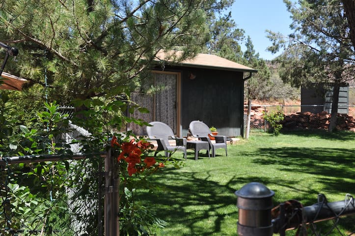 Top 20 arizona vacation cabin rentals and cottage rentals for Cabin in sedona az