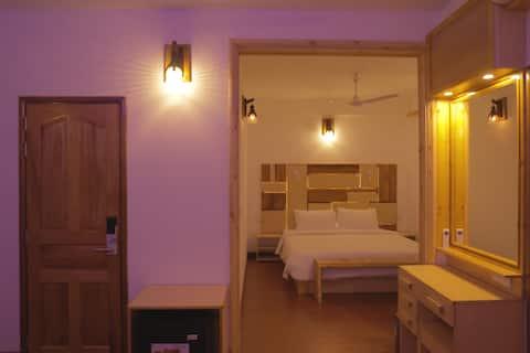 The Varu Inn - Comfort Stay & Dive