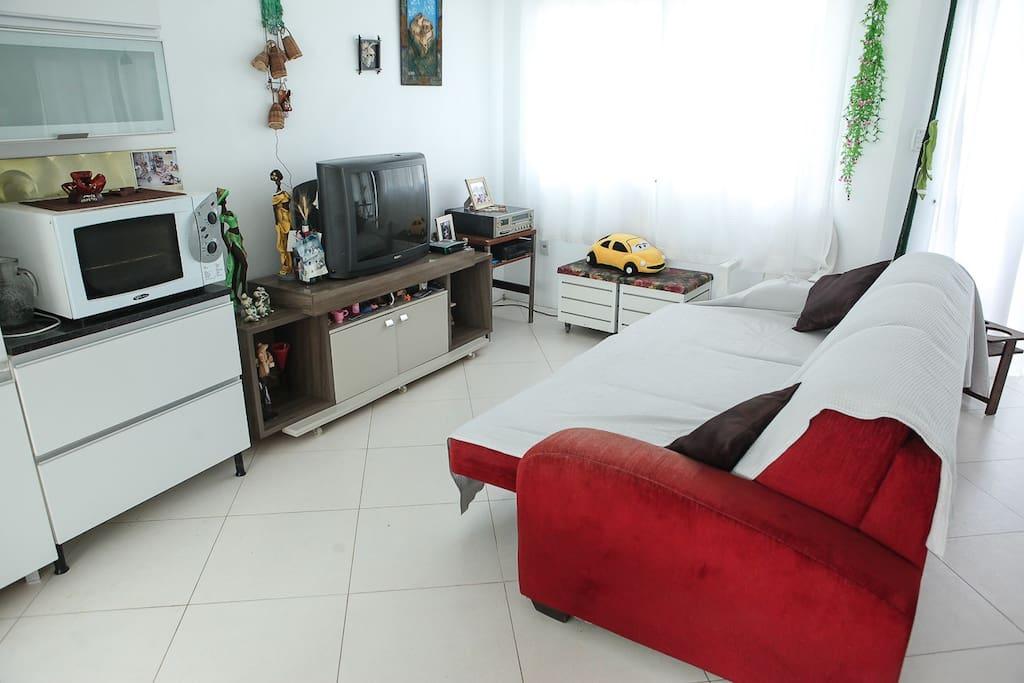 Amplo sofá com TV - 1º Piso