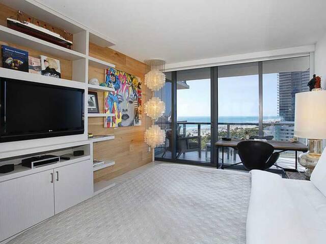 On the Beach | South Beach | Residence W Hotel