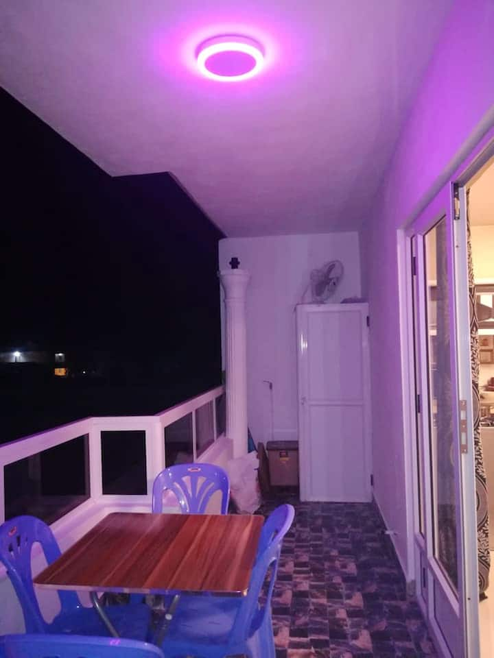 Beautiful apt with balcony