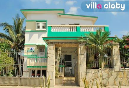 VIILA CLOTY - Guanabo