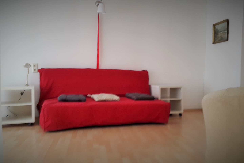 a bedroom/livingroom - ikea bedsofa