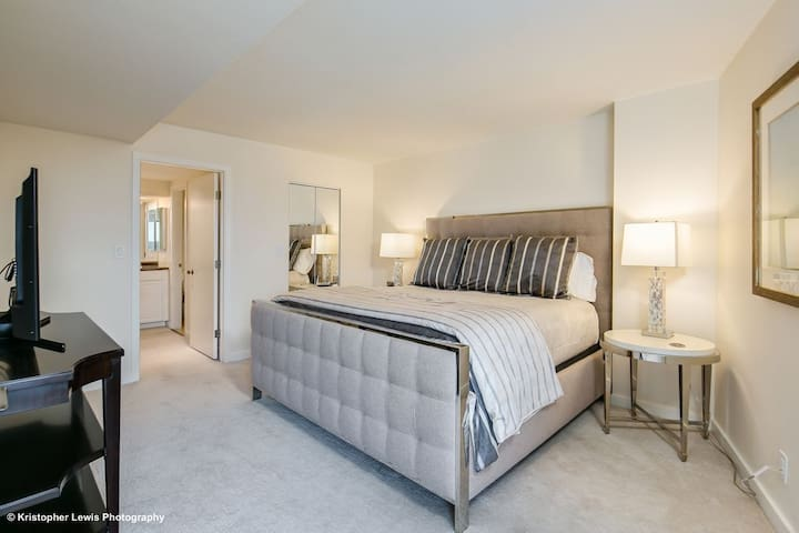 Master Bedroom w/ King Bed and Luxury Bedding & Large Walk-in Closet.