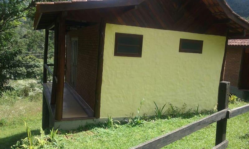 Chalé Retiro das Araucárias Cedro, Visc. Mauá/RJ