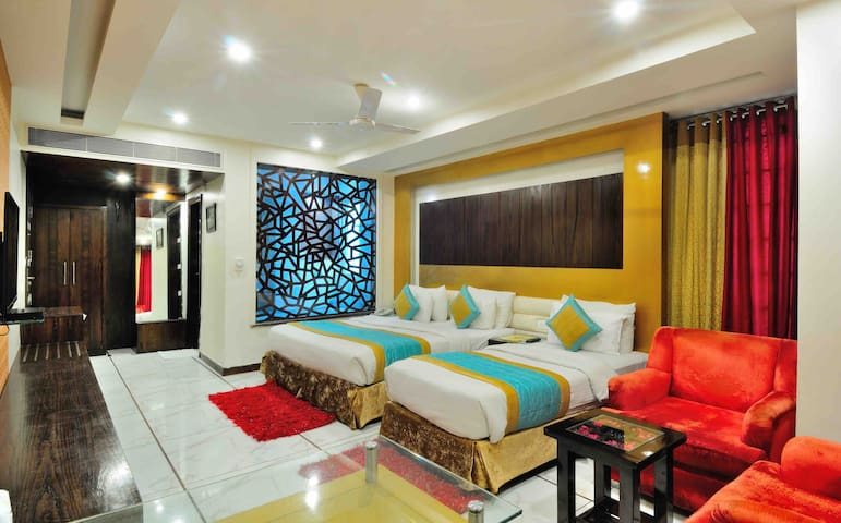 Nice Rooms, New Delhi