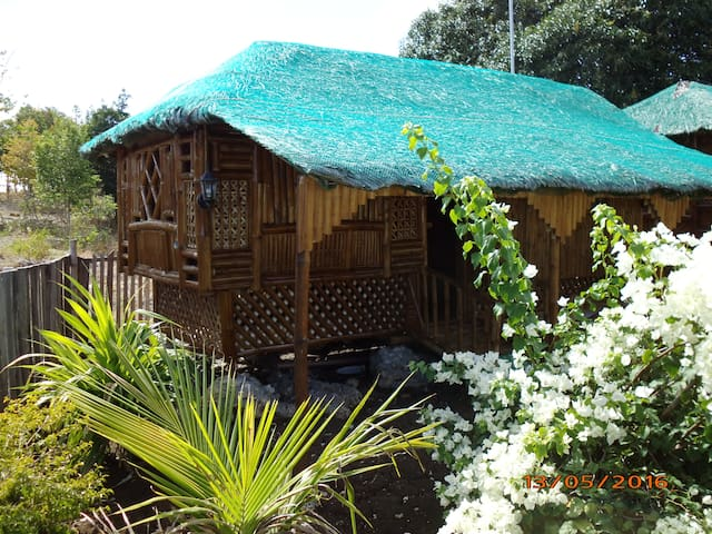 """Bamboo House 1"" Room 1 "" - Moalboal - Hut"