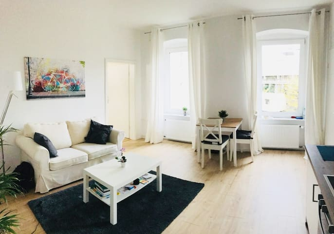 Cozy place! Mitte|Wedding Modern+ Appartment