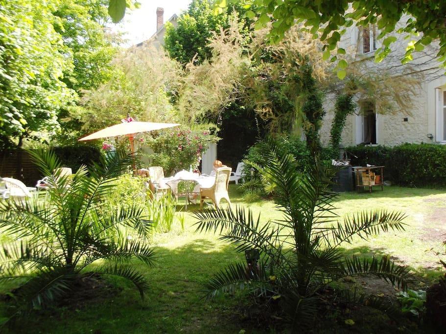 Jardin avec piscine hors sol