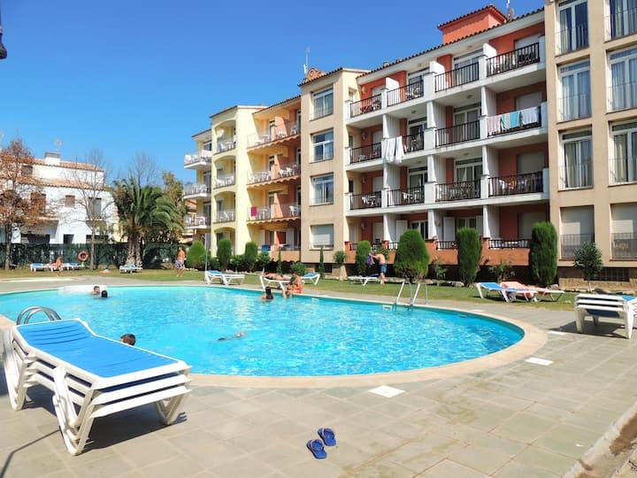 Appartement avec 1 chambre à 150m de la plage avec belle vue et piscine - G.RES.33