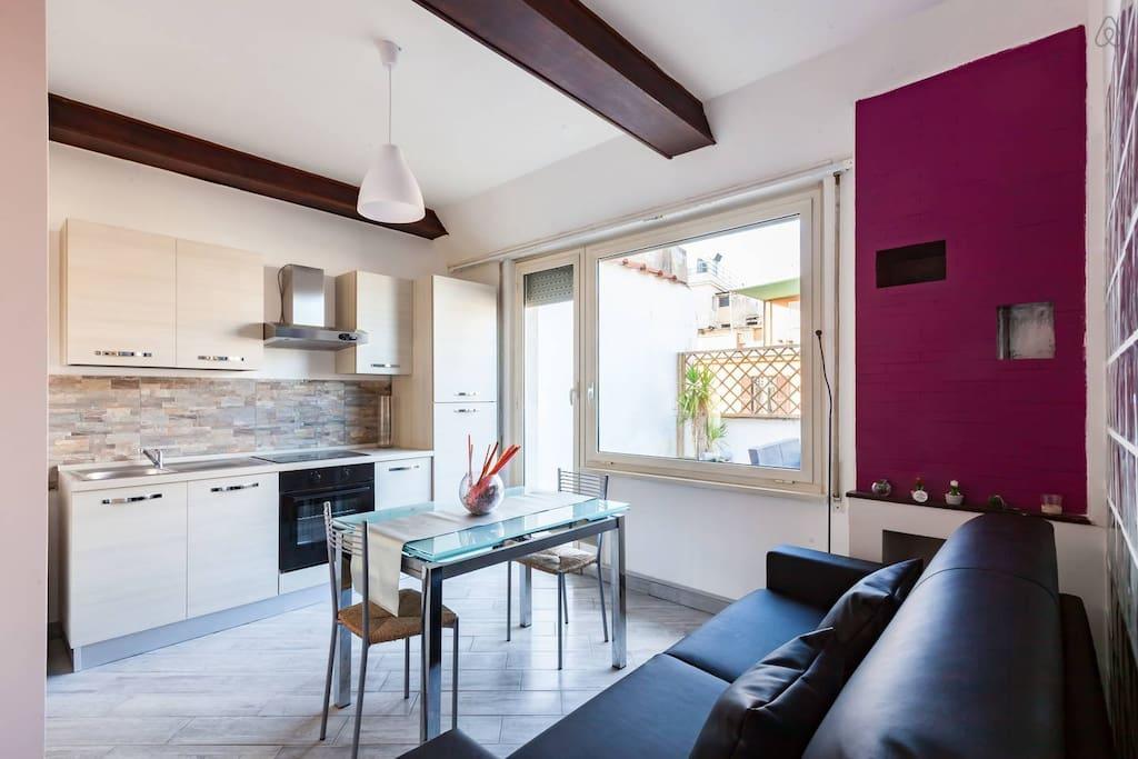 rom wohnung mit terrasse wohnungen zur miete in rom latium italien. Black Bedroom Furniture Sets. Home Design Ideas