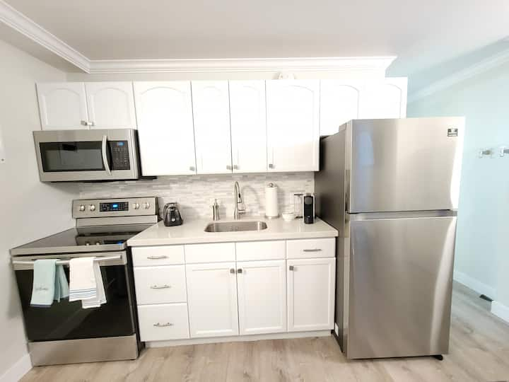 Fully Renovated Prospector Square Studio #209
